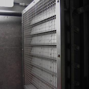 Druckentlastungsklappe mit Schutzgitter