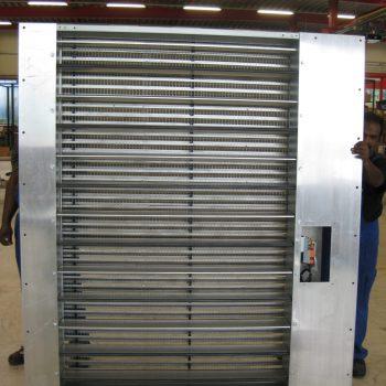 Wetterschutzgitter und Regulierklappe mit Flachrahmen
